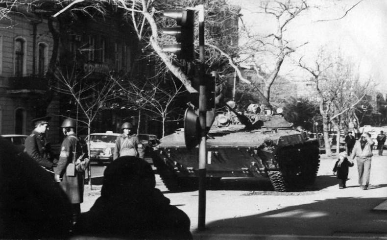 Enero Negro – el sendero a la Independencia