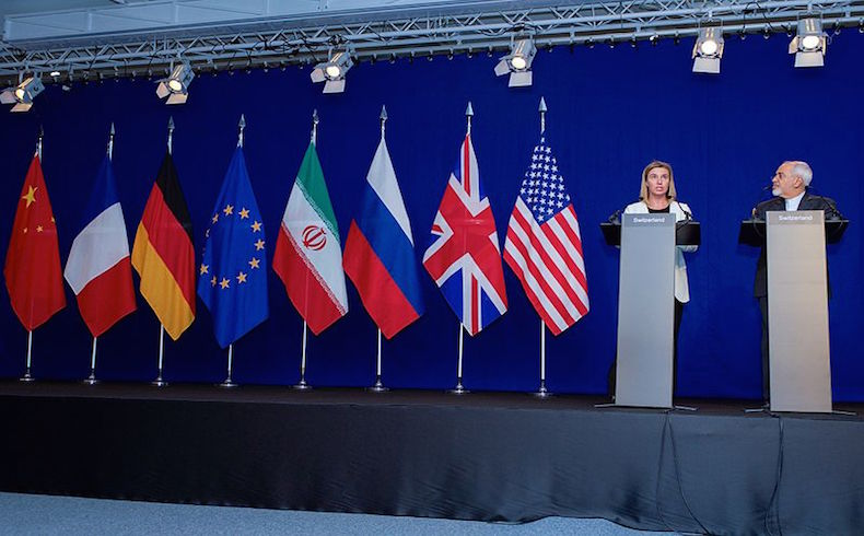 Alta representante de la Unión para Asuntos Exteriores y Política de Seguridad Federica Mogherini y Ministro de Asuntos Exteriores de Irán Yavad Zarif durante las negociaciones en Lausanne, Suiza