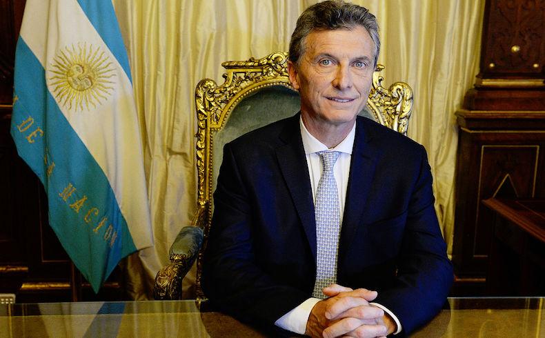 """Macri llama a argentinos a ser independientes y protagonistas, y afirma haber recibido un país """"saqueado"""""""