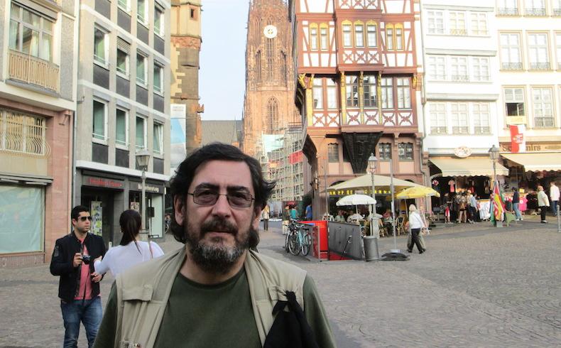 """Luis Benítez responde """"En cuestión: un cuestionario"""" de Rolando Revagliatti"""