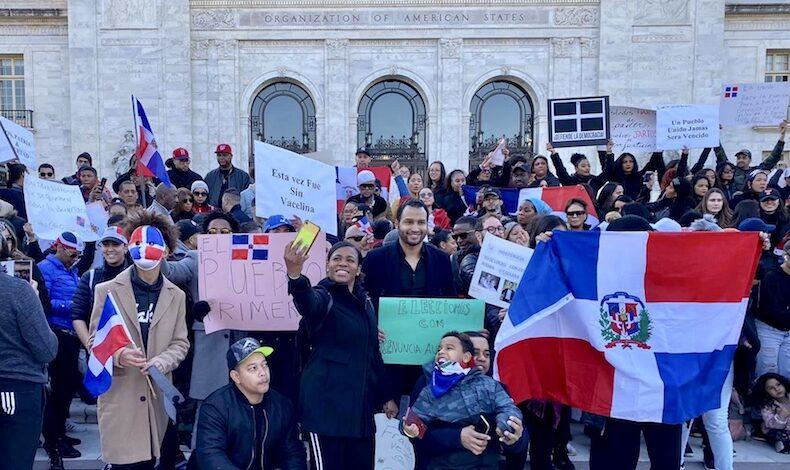 Columnista de CNN Geovanny Vicente Romero entre otros profesionales destacados se unieron a #MarchaPorLaDemocracia