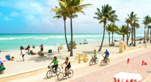 cropped-Hollywood-Florida-Hotel-room-vacation-rentals.jpg