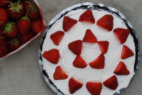 Strawberry Parfait Pie