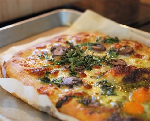 Mushroom Arugual Pizza
