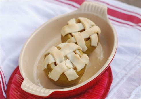 Apple Pies Baked in Apples via The Naptime Chef