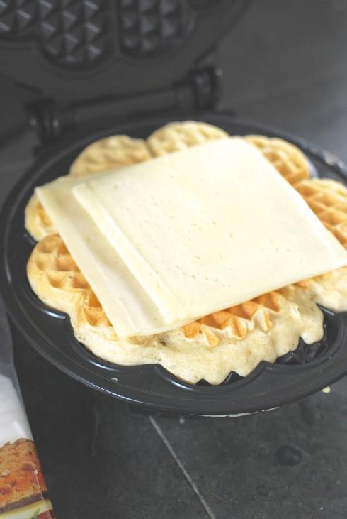 Arla Dofino Havarti Waffle
