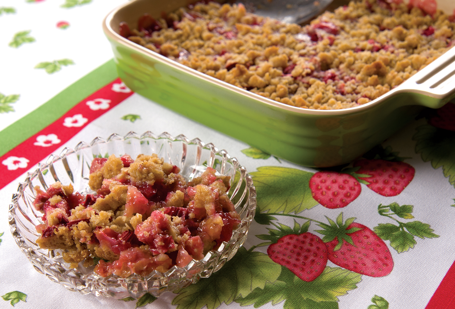 Hungry Quilter Rhubarb Crisp