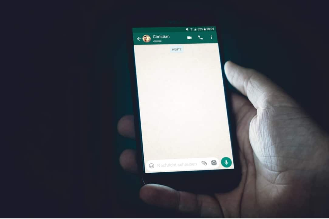 how to schedule whatsapp message