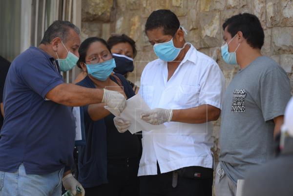 """Ecuador: """"Las cifras oficiales no demuestran la realidad de lo que sucede con el coronavirus"""""""
