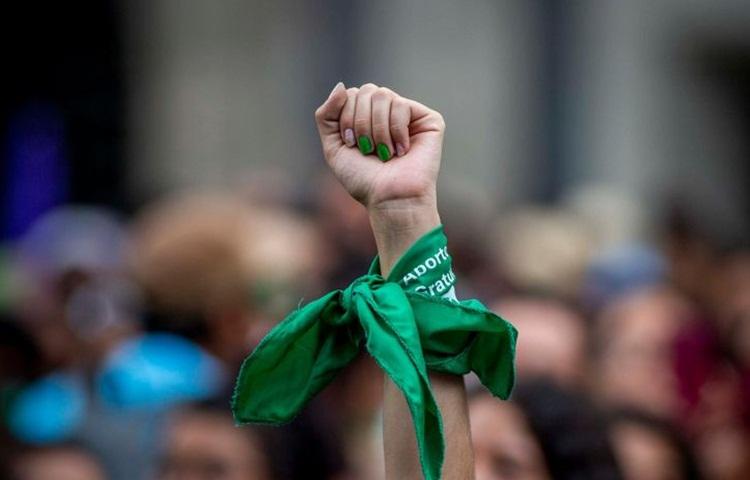 Cuando me uní a la marea: la madrugada del aborto legal en Argentina
