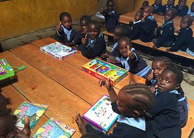 kids-reading-in-classroom-caribsplash