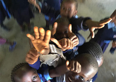kids-running-to-camera