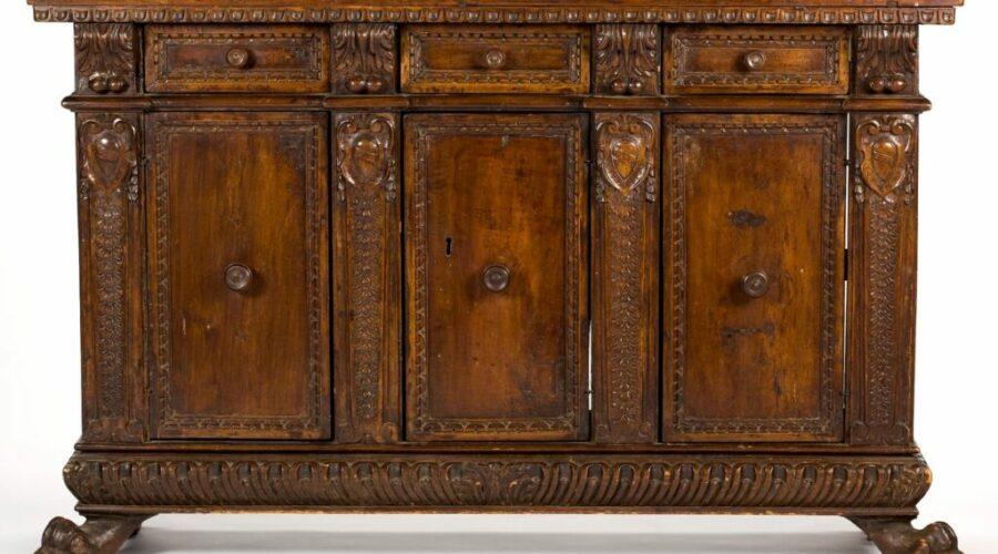 italian-renaissance-style-walnut-sideboard-1024x663