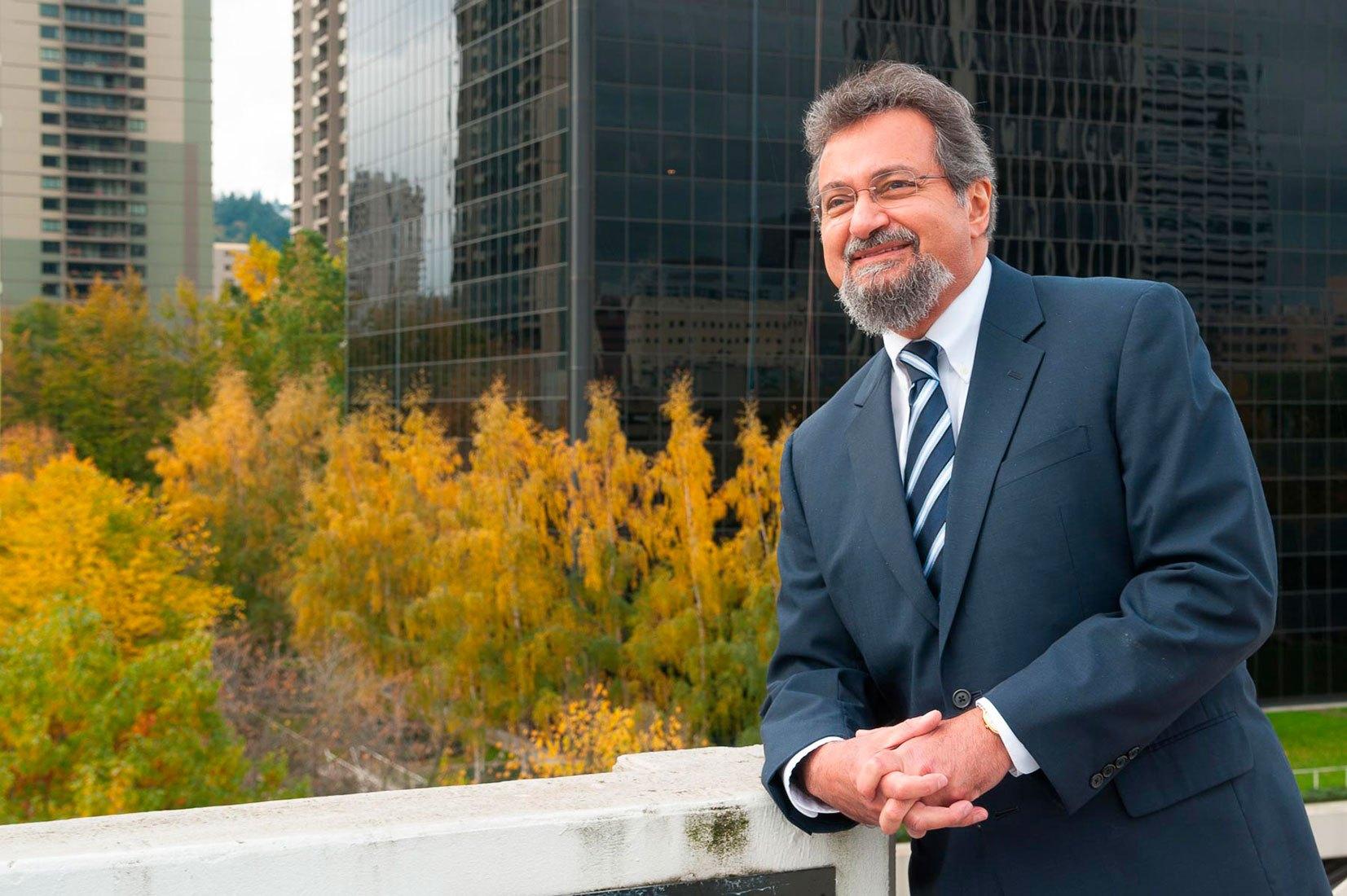 Doctor Ameen Ramzy, Oregon Executive MBA, OEMBA, Alumni Photographs, Portland, OR, 10-24-2012