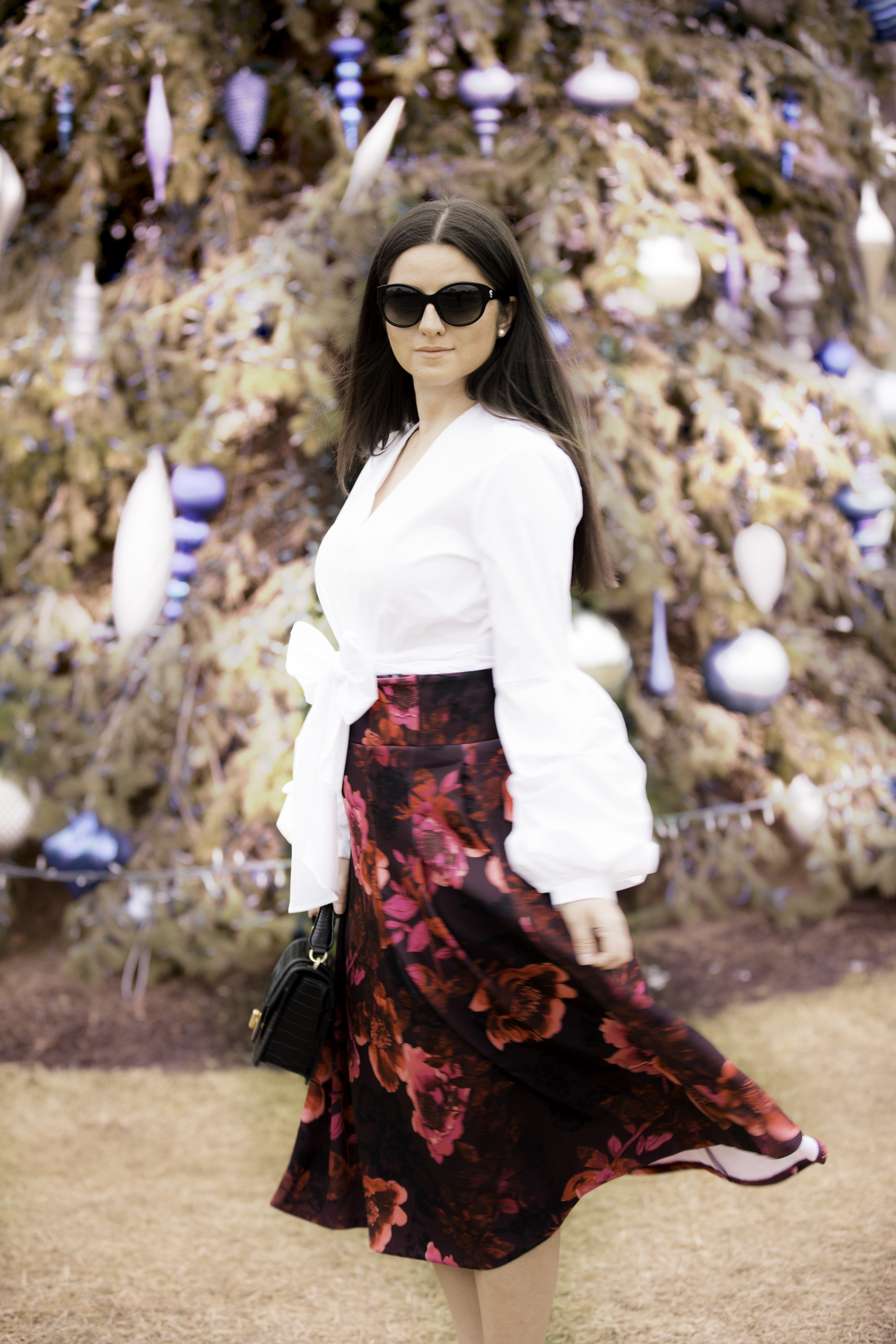 my holiday outfit, fit and flare floral skirt, bell sleeve top,
