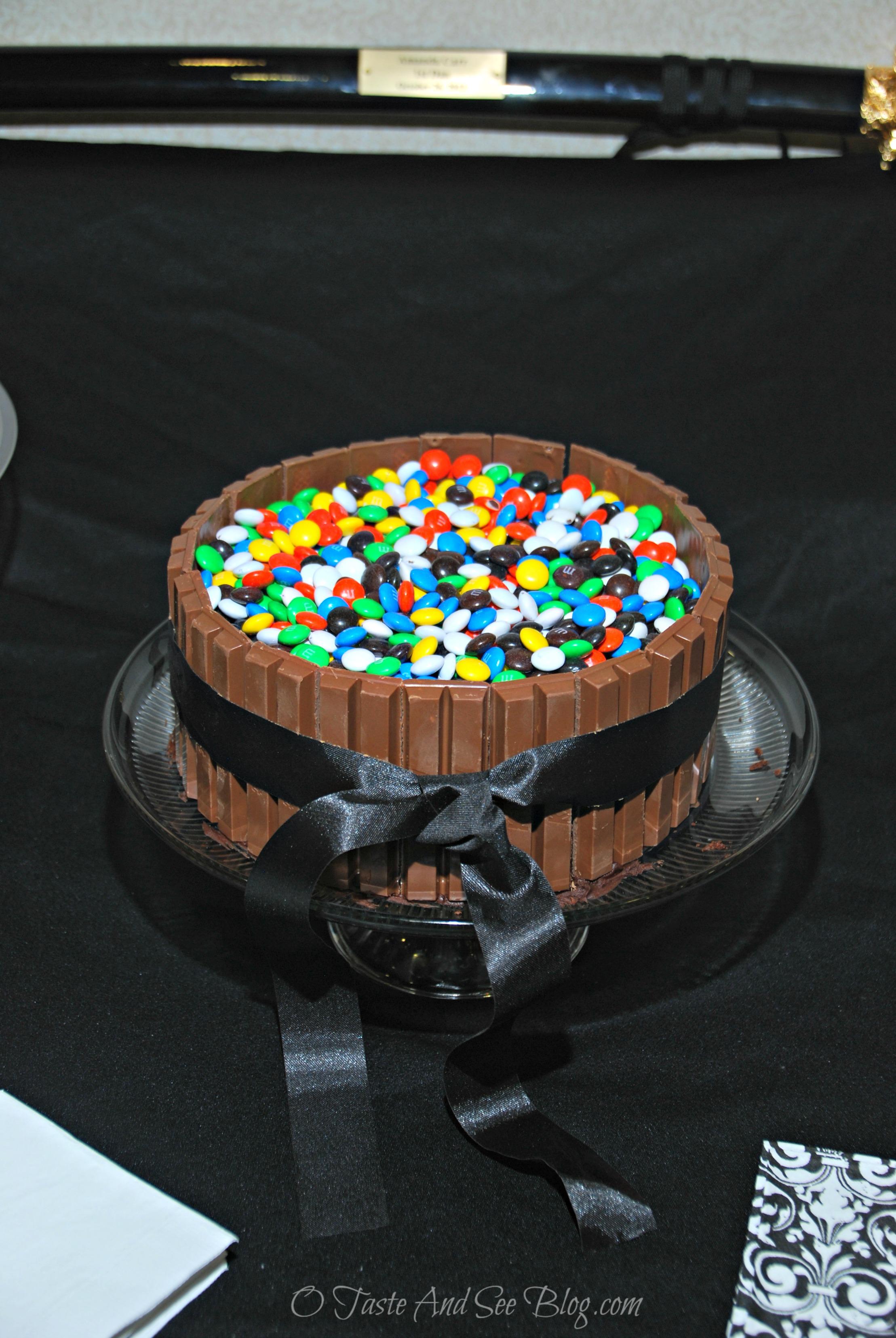 kit kat cake 2