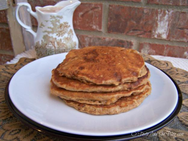 Oatmeal Cookie Pancakes 014