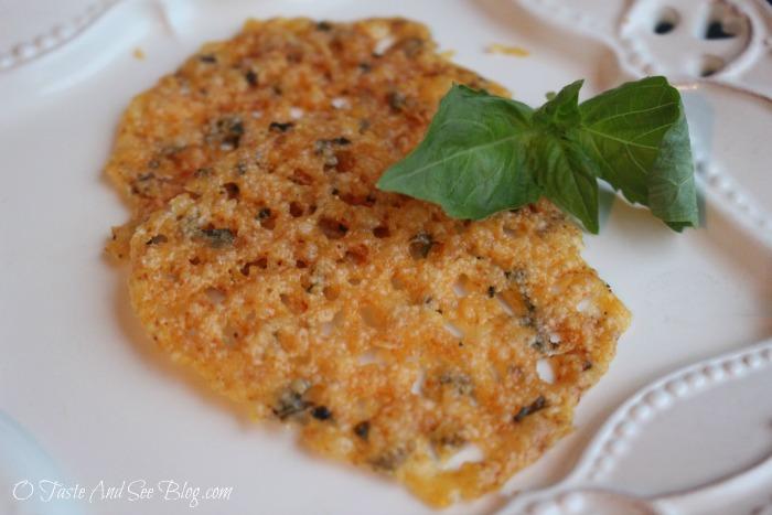 Asiago Herb Cheese Crisps #ad #StellaCheeses #QualitySince1923