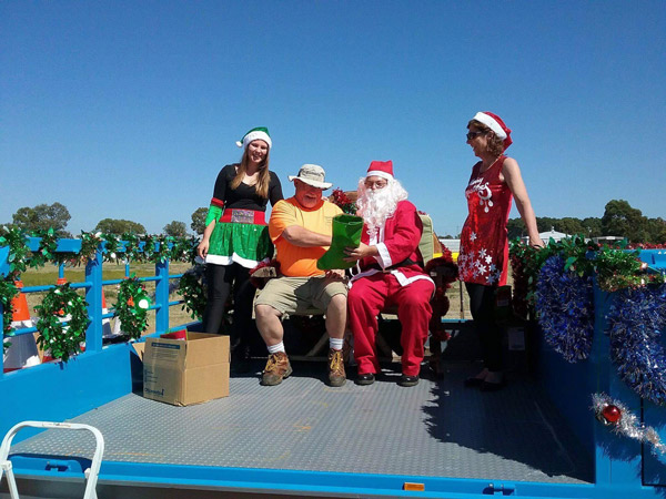 Volunteers from the Serpentine VBFB spreading Christmas cheer