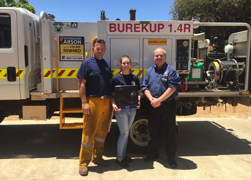 Bushfire Volunteers EO Darren Brown delivering a new FLIR Tic to the Burekup Brigade courtesy of the Western Power Grants Scheme 5/12/2020