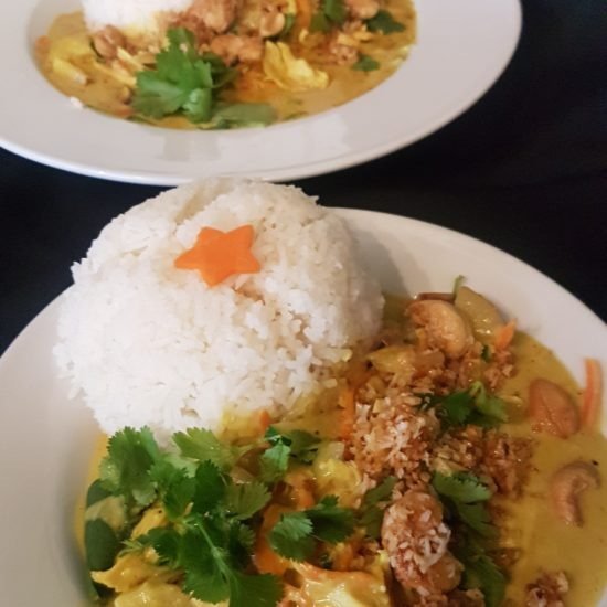 Yellow Curry with toasted coconut & cashew nuts