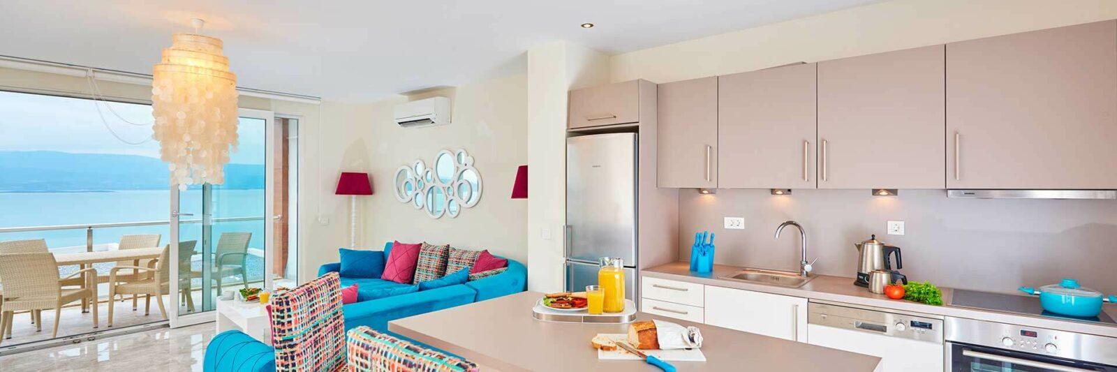 interior-casa-alquiler-apartamentos-turisticos-rent-tourist-apartment-cadihost_com
