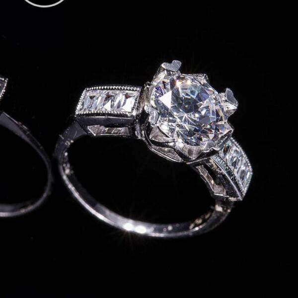 18 KW Natural Diamond Milgrain