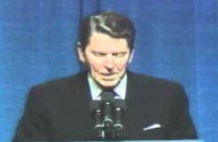 Ronald Reagan tells joke about Democrats