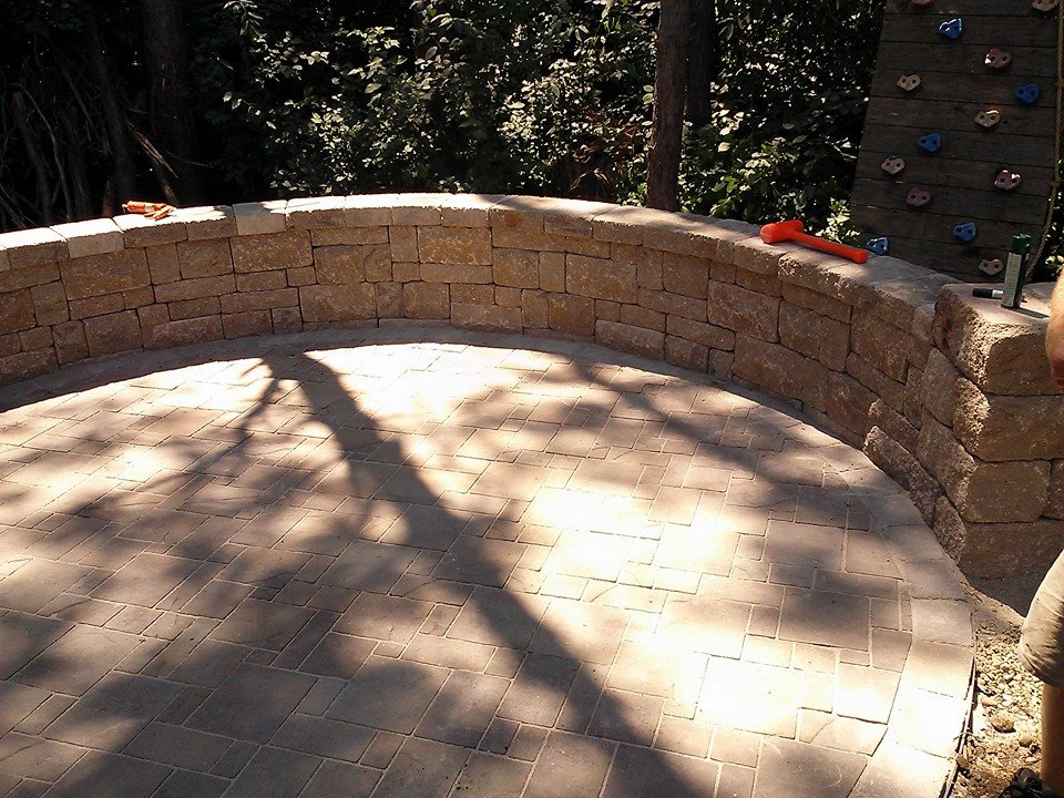 paver patio with seating wall