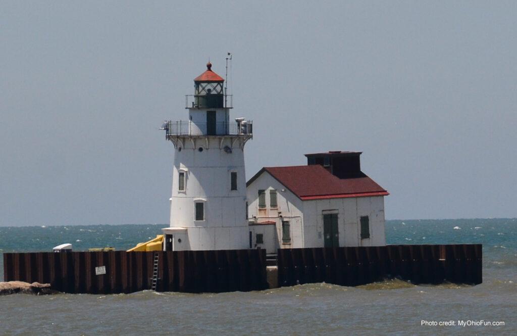 Cleveland West Pier Lighthouse