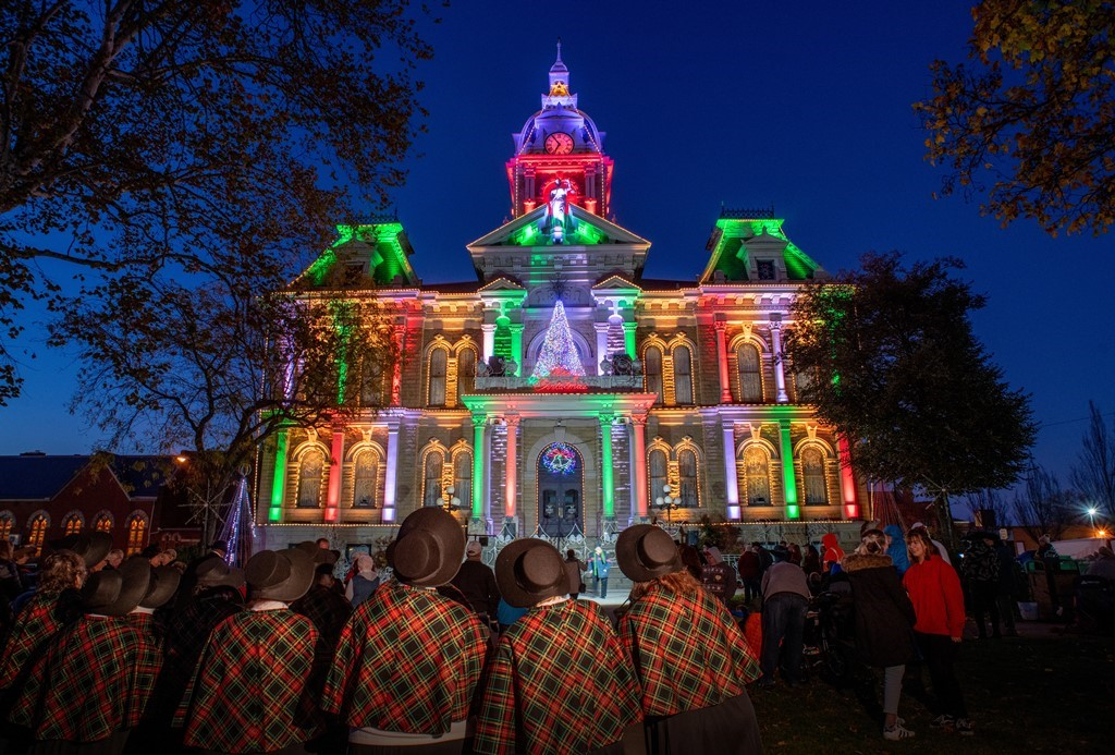 Guernsey County Courthouse Holiday Lights