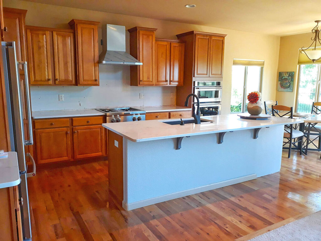 Kitchen Remodel with Oak Cabinets