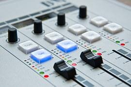 radio-1475055__180