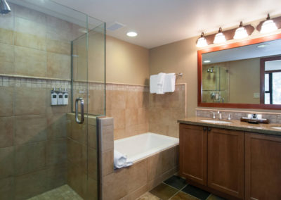 RSC834 - Queen Bath
