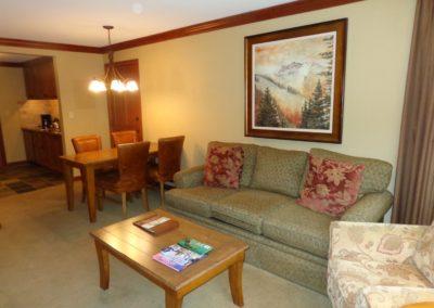 RSC721 - Living Area w/ Sleeper Sofa