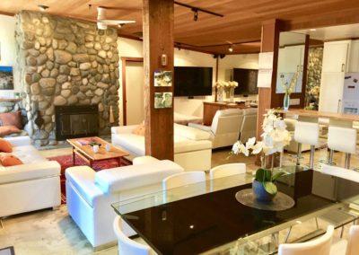 1222S - Living Area