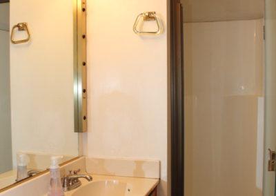 Bath #4: toilet, sink & stall shower