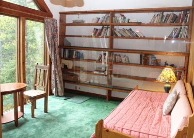 Library with Daybed and Twin Trundle Bed