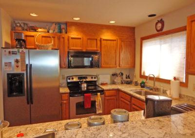 7 Kitchen - view 2