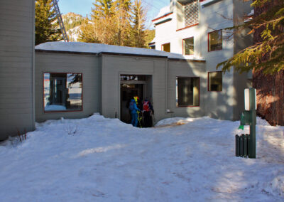 z Skiers' Entry