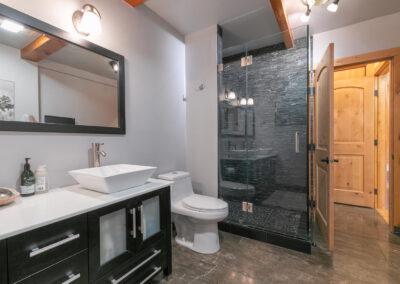 Bathroom 4 - hallway between Sports Bar & BR 4