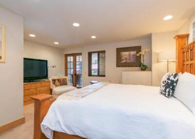 Bedroom 4 - Cal King