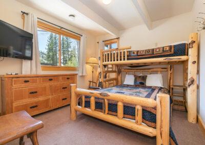 Bedroom 8 - Twin-over- Queen Bunk