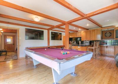 Sports Bar - Pool Table
