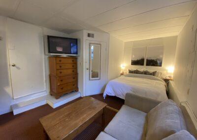 3 Living & Sleeping Areas