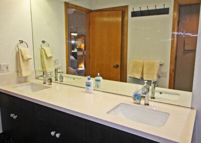 10 Bath - view a