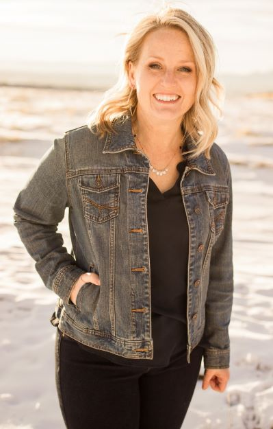 Amy Castro Loan Originator with VanDyk Mortgage