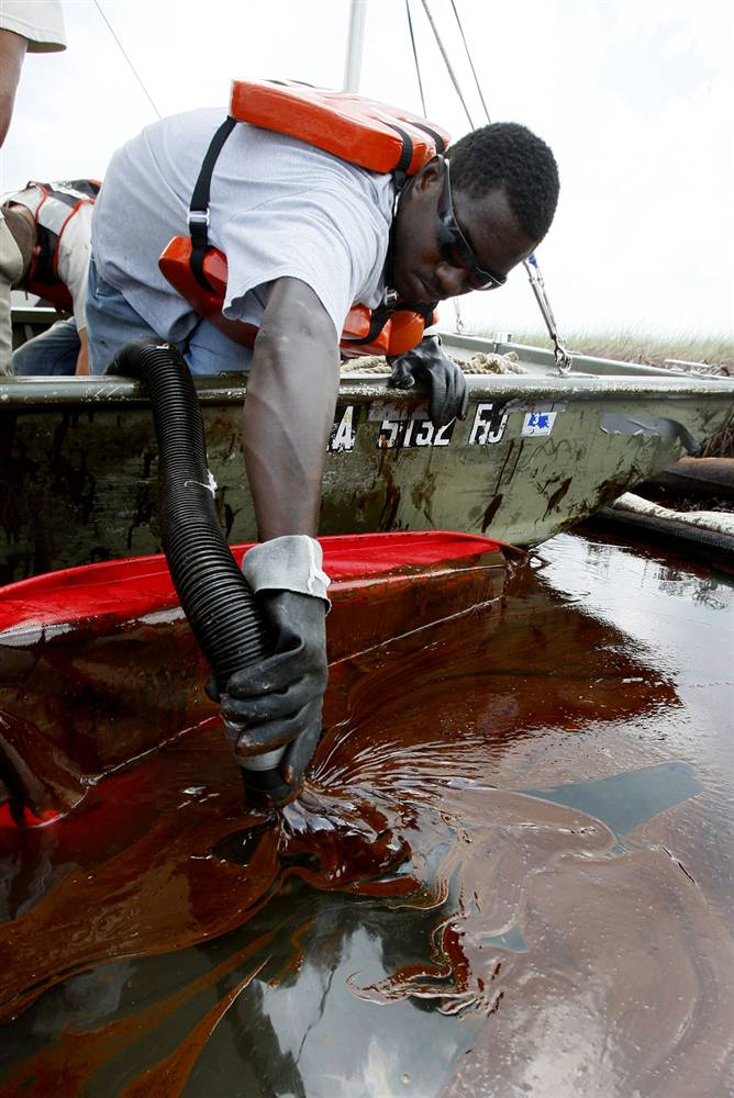 ss-100621-oil-spill-mw05_ss_full