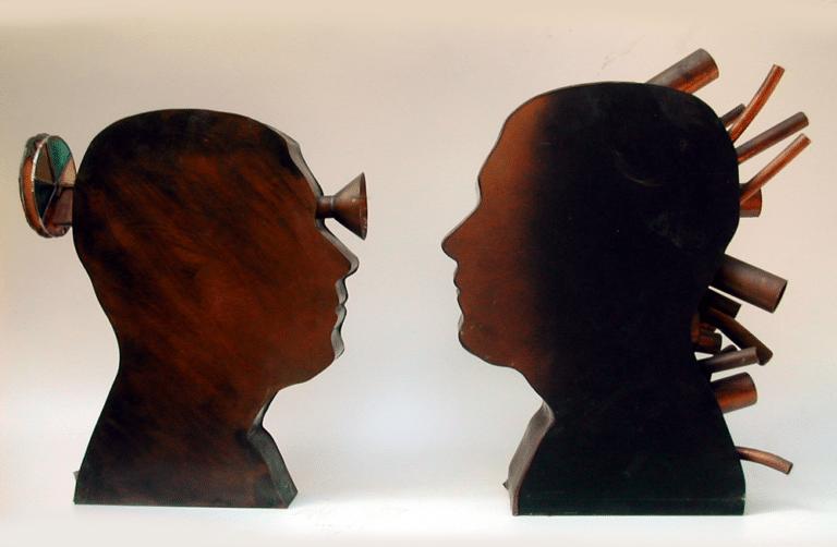 פנים אל פנים, 1997, נחושת וגומי 40 על 80 ס''מ [גלריה קונסטננט, רמת גן]