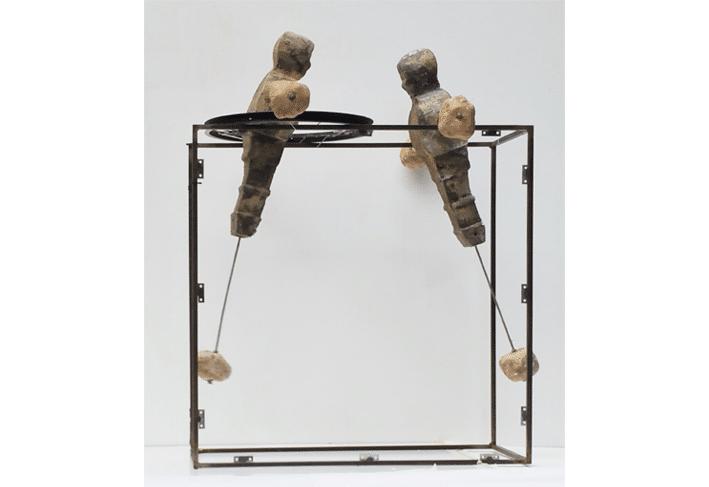 שיווי משקל, 2015, קלקר מצופה וברזל, 120 על 90 ס''מ  [ הוצג בתערוכת פיסול, גן העיר, תל אביב]